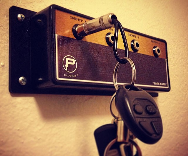 amp-key-hanger-640x533